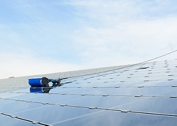 Dach Solarreinigung mit Rotierende Rundbürste in Baden-Württemberg